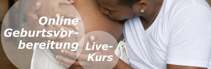 Link zum Online-Geburtsvorbereitungskurs: Ein Mann küsst den Babybauch einer Frau