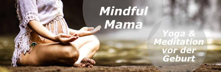 Linkbanner Mindful Mama Frau meditiert vor Wasserfall